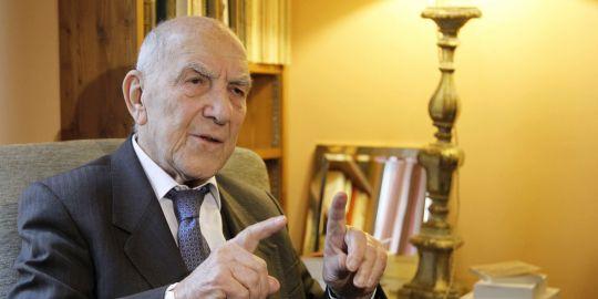 En France, la censure frappe encore : L'ENS annule un débat avec Stéphane Hessel sur le Proche-Orient.