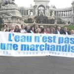 Devant le Palais Longchamps les signataires !