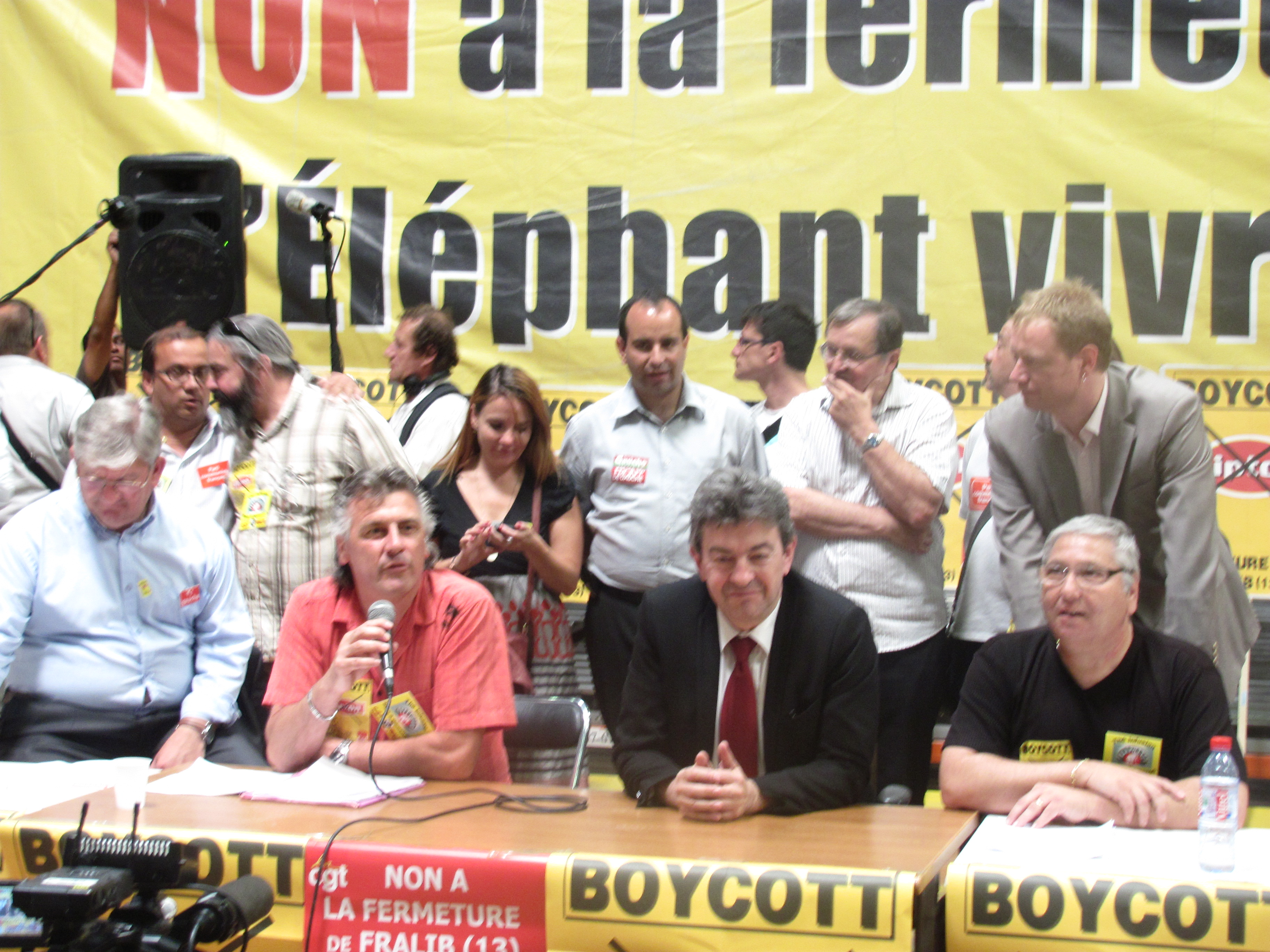 Le Front de Gauche avec les «Fralib» contre la fermeture du Site de Gémenos !