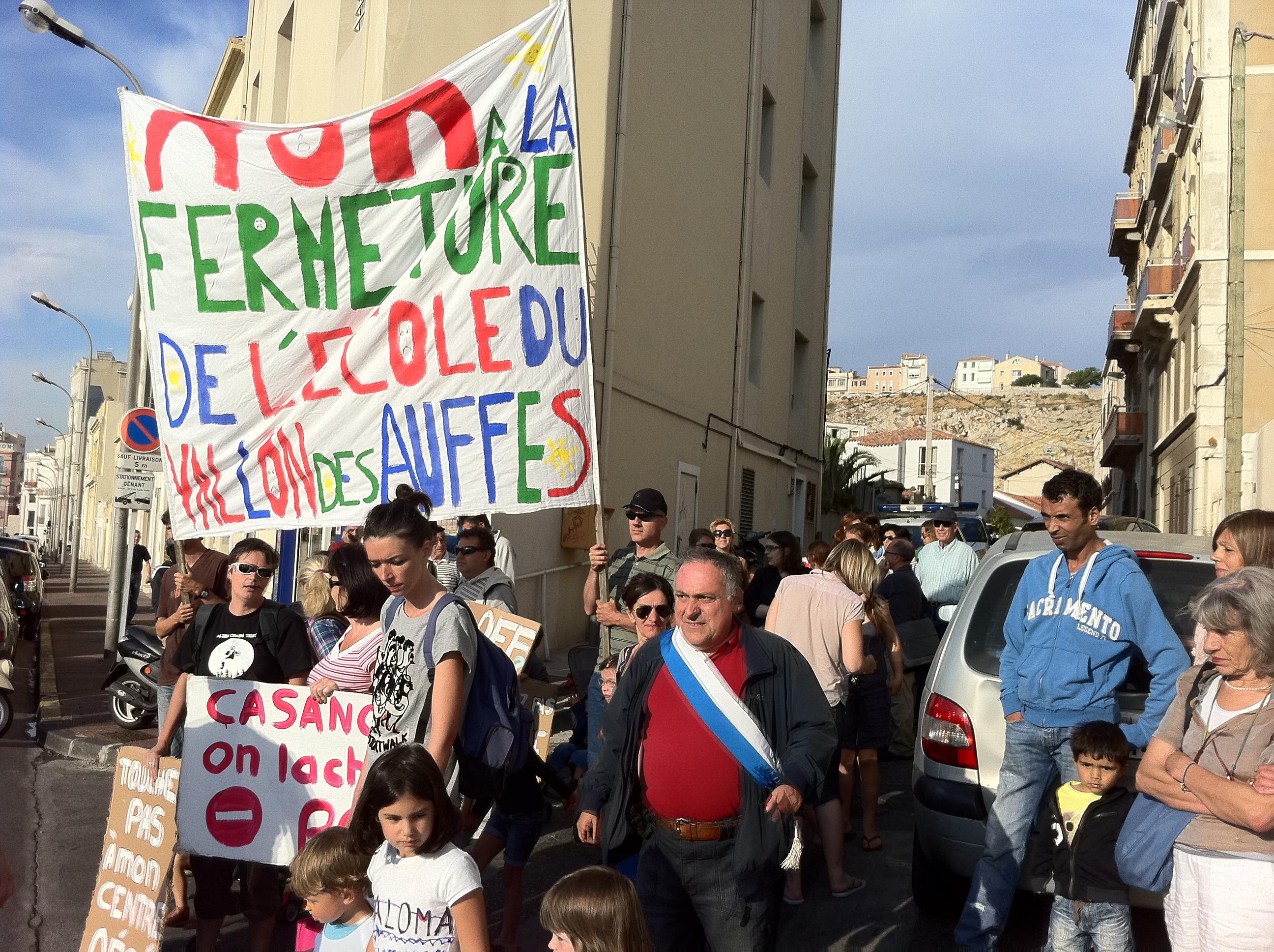 Mercredi 29 juin : Les parents d'élèves du Vallon des Auffes ont assigné la Ville de Marseille au Tribunal !