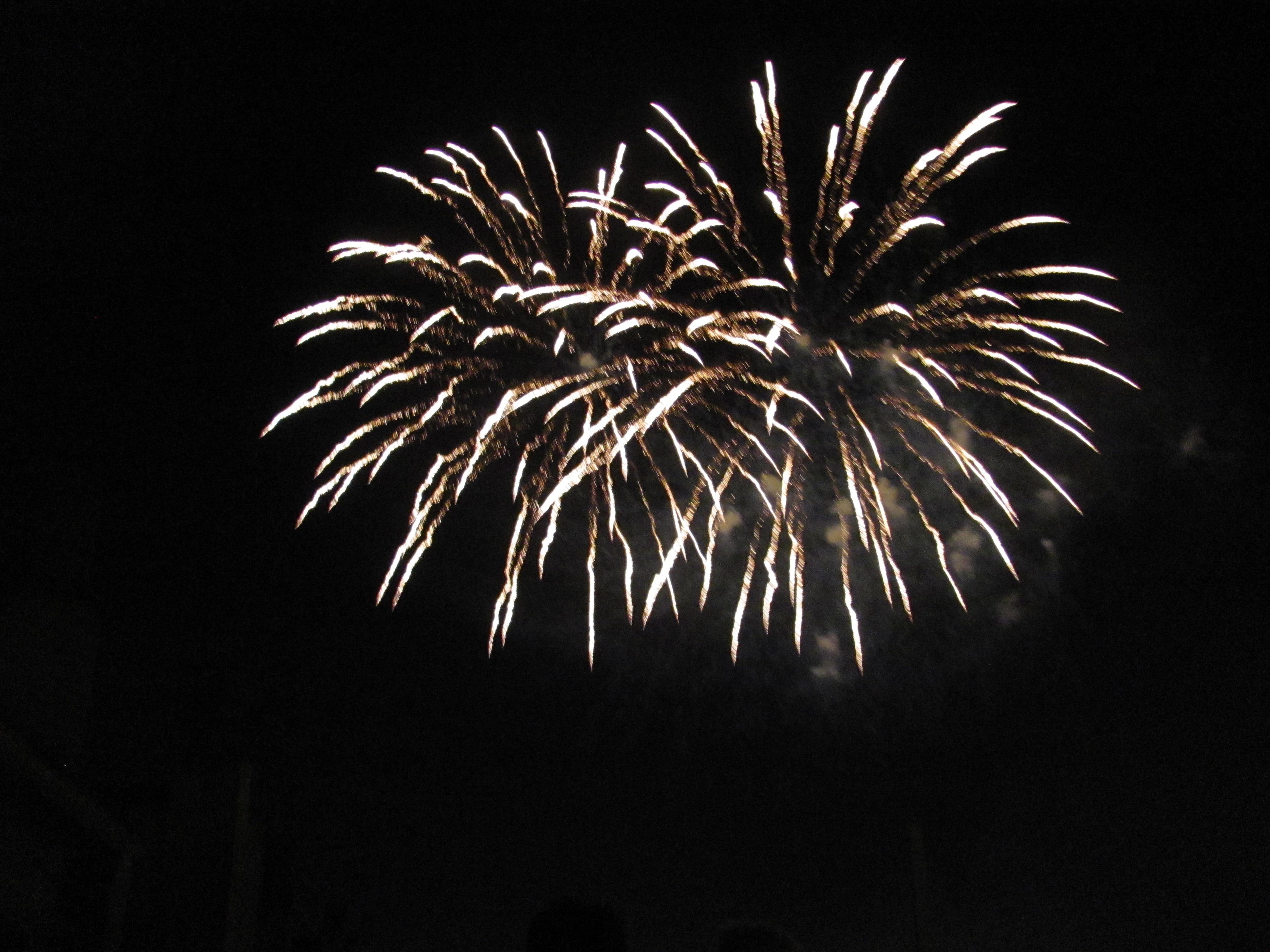 14 juillet : enfin ! un beau feu d'artifice !