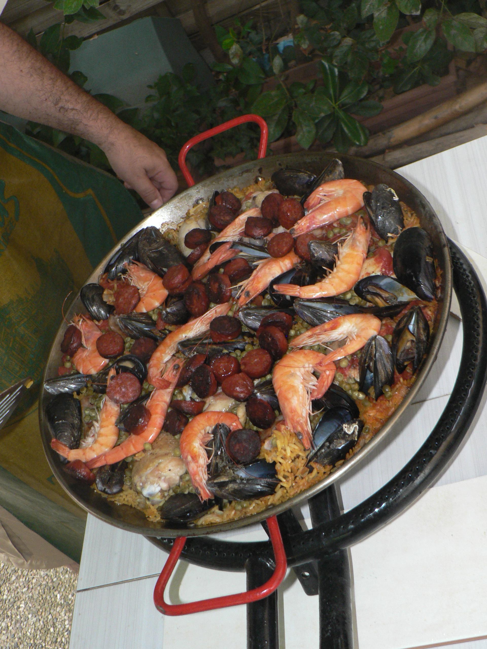 (2) Vacances : Entrainement  pour la prochaine Fête de la citoyenneté : La paella !
