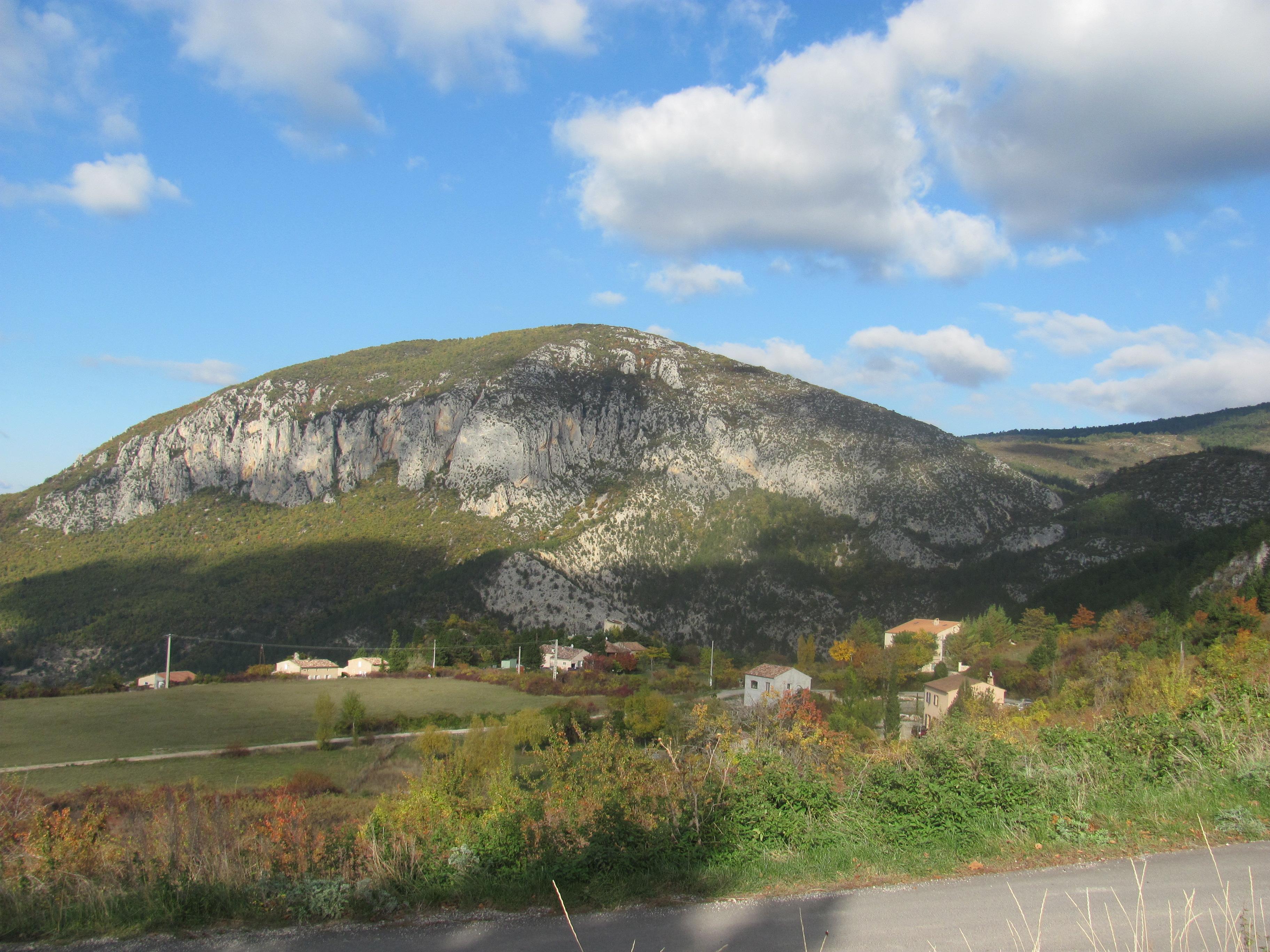 L'Automne prend ses quartiers à St Jurs dans les Alpes de Haute Provence !