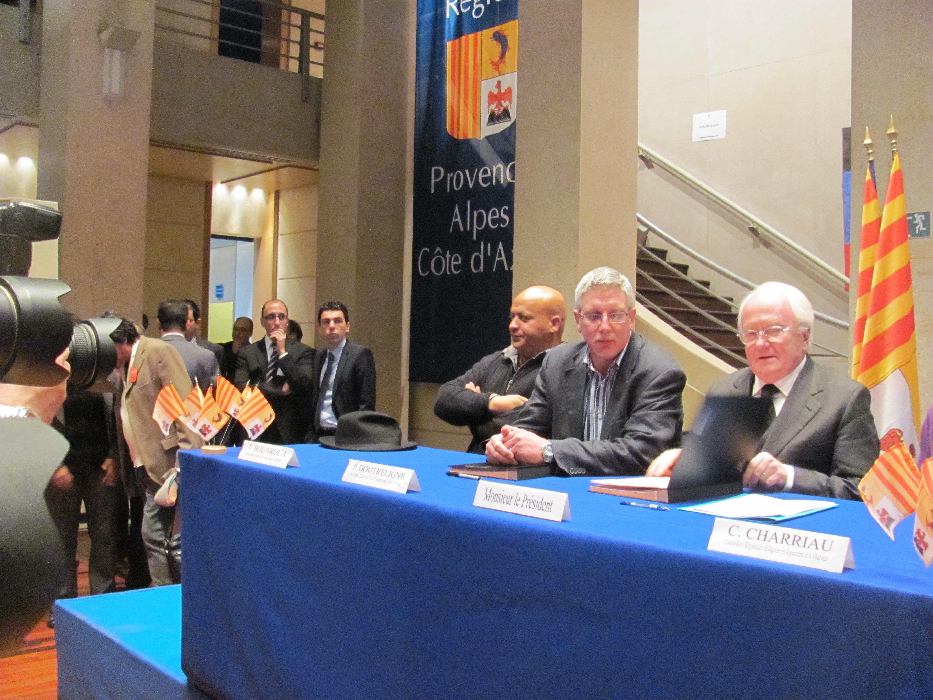 Signature d'un partenariat entre la Région et la fondation Abbé Pierre !