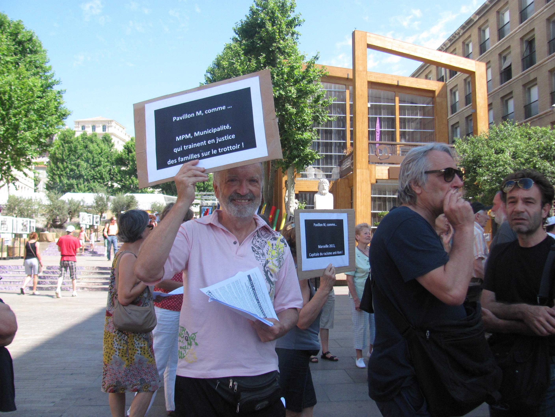 ROMS : Nouvelle manifestation devant l'Hôtel de ville !