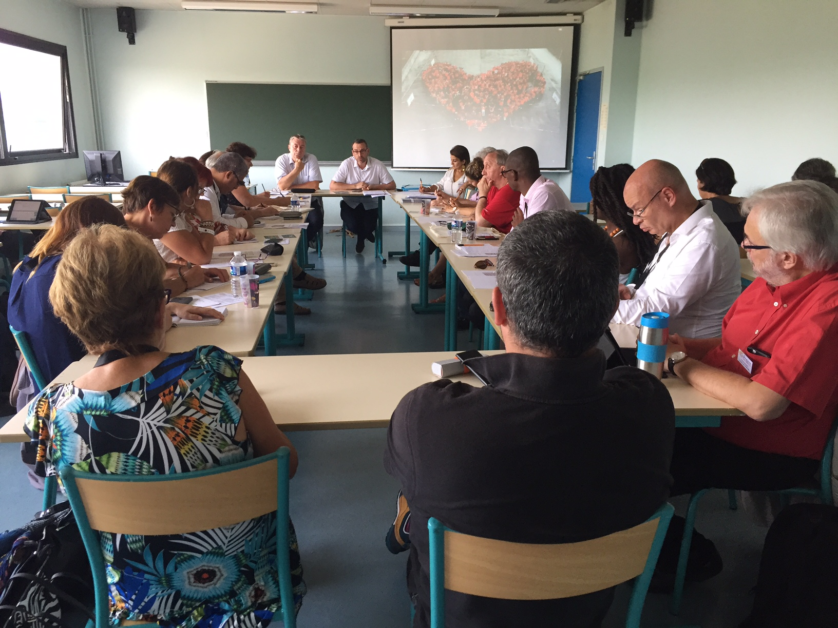 (5) En direct d'ANGERS : La Culture de Paix avec le Député Jean Paul LECOQ et le Maire de GRIGNY (91) Philippe RIO.