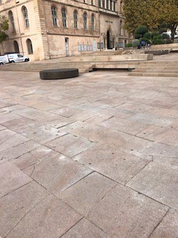 Marseille : le maire, sa majorité municipale mettent des millions pour aménager des espaces publics et sont incapable de les entretenir !