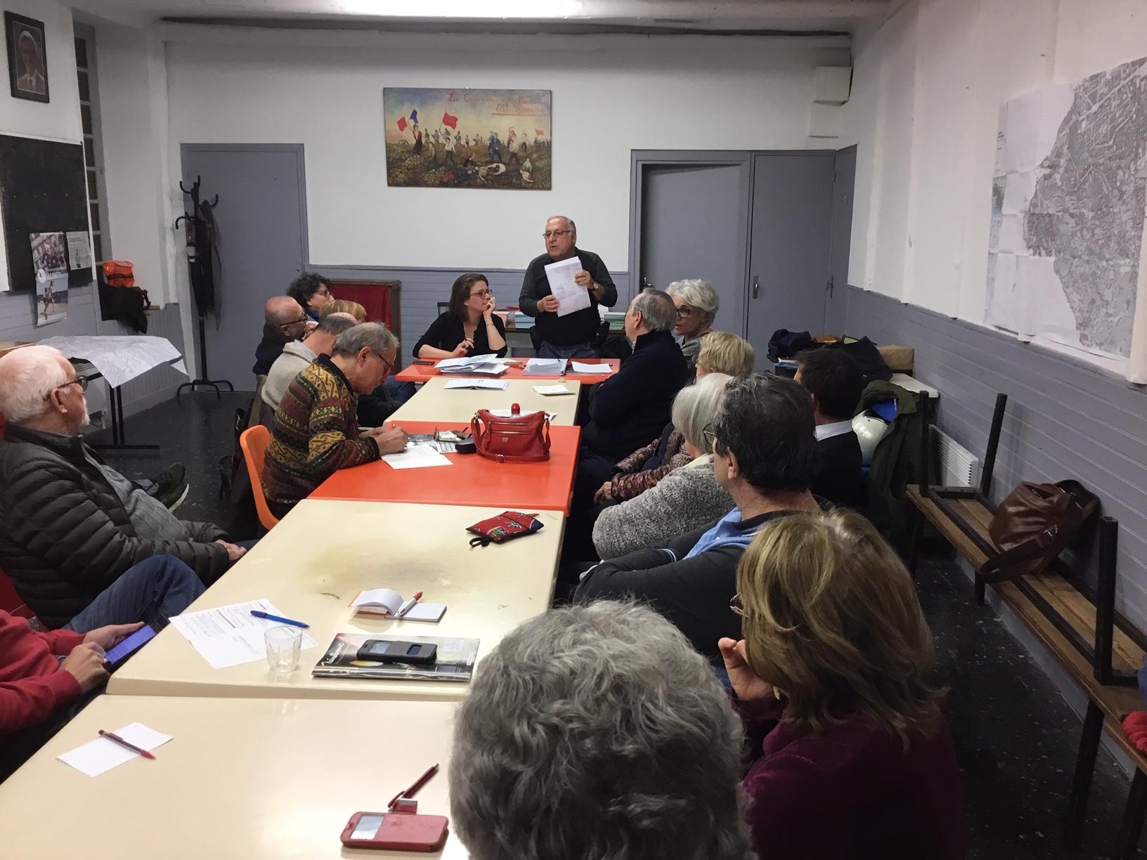 Mobilisation citoyenne à l'Agora Guy Hermier (7e)  pour participer à l'enquête publique sur le Plan Local d'Urbanisme Intercommunal (PLUI)