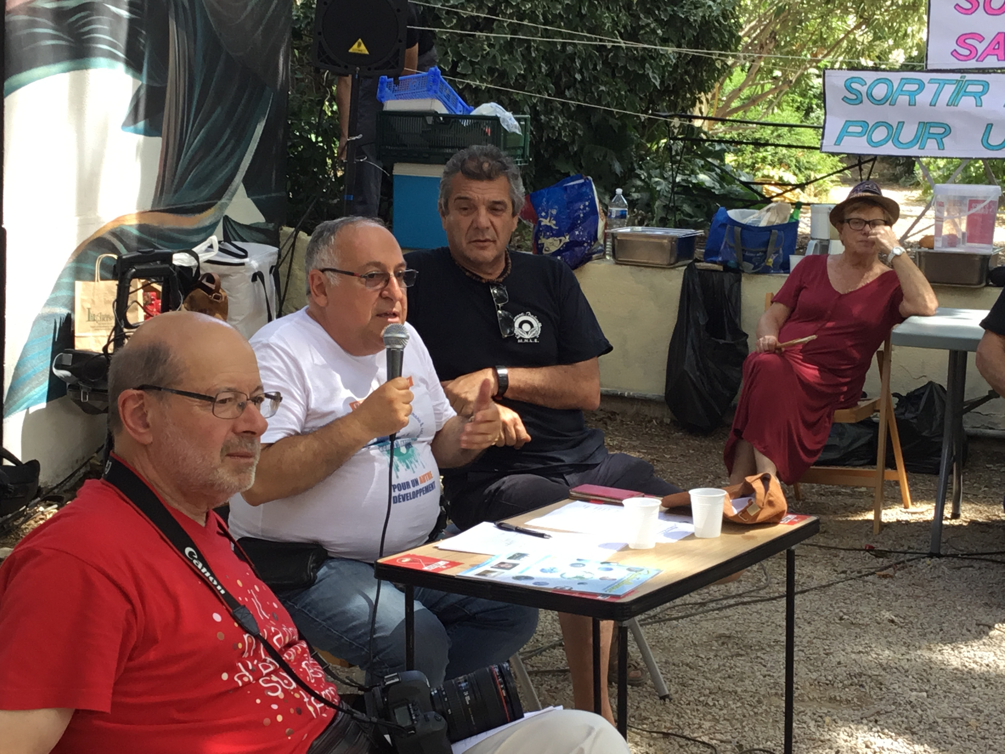 Un dimanche studieux de la Fac St Charles au Jardin Levât (3èm) : Même discussion sur les Communs et les Alternatives indispensables aux projets  pour les réussir les échéances de 2020 !