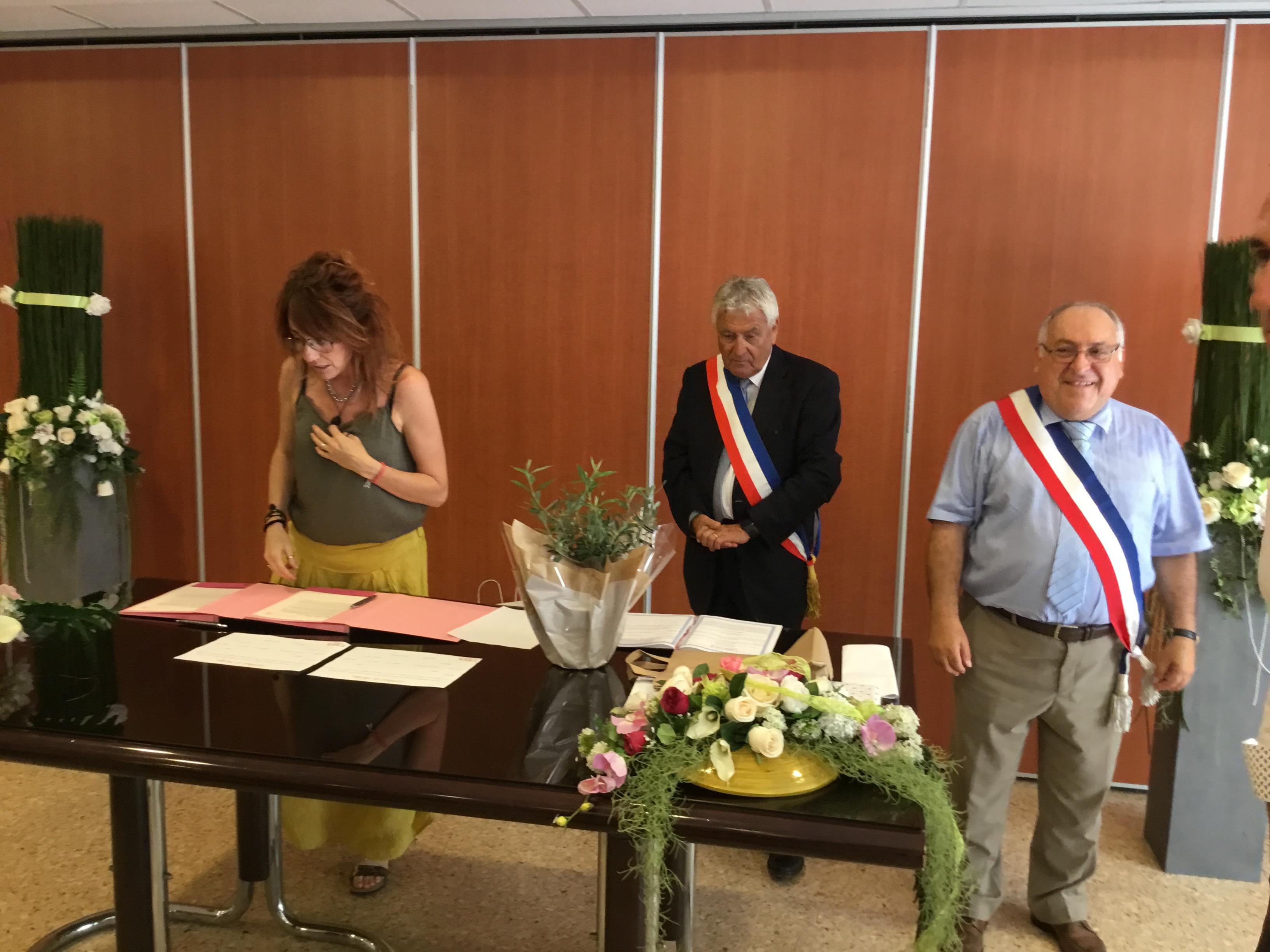 Un moment de bonheur : le Mariage de Delphine et Fred dans la mairie de Septemes avec André Molino !