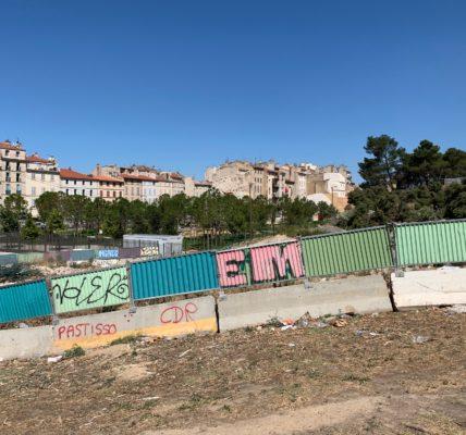 (1) Massacre à la tronçonneuse Porte d'Aix à Marseille :Les habitants ont mis en déroute cette nuit des spadassins munis de tronçonneuse électrique pour couper des arbres –  Je demande au préfet d'établir un moratoire de quelques jours afin de laisser du temps à la nouvelle municipalité pour réexaminer les aménagement de la Porte d'Aix !