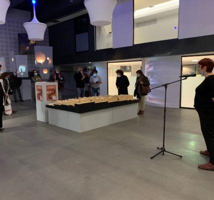 (21) Marseille mandature 2020/2026 : 1er Secteur – (5) Noailles – Réouverture de la rue d'Aubagne – Agnes Freschel, adjointe à la Culture présente l'Expo «La Dent Creuse»