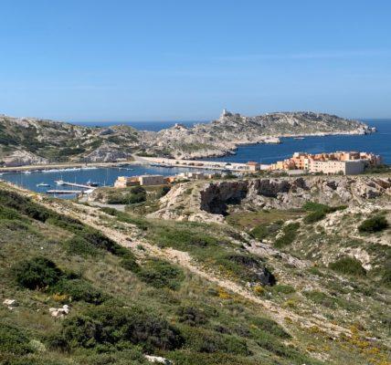 #Frioul  Déambulations printanières : Dépaysement au large de #Marseille – recommandé contre le stress –